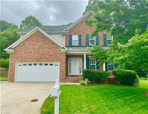 Photo of 718 Barrocliff Road, Clemmons, NC 27012 (MLS # 979427)