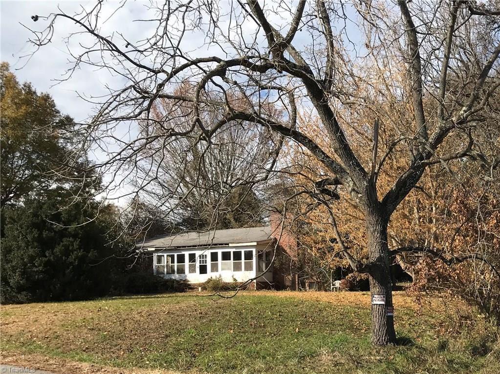 Photo of 476 Everidge Road, Winston Salem, NC 27103 (MLS # 957433)