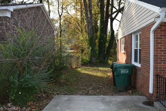 Photo of 1409 Futrelle Drive, High Point, NC 27262 (MLS # 957437)
