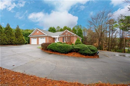 Photo of 8905 Doubletree Lane, Clemmons, NC 27012 (MLS # 966438)