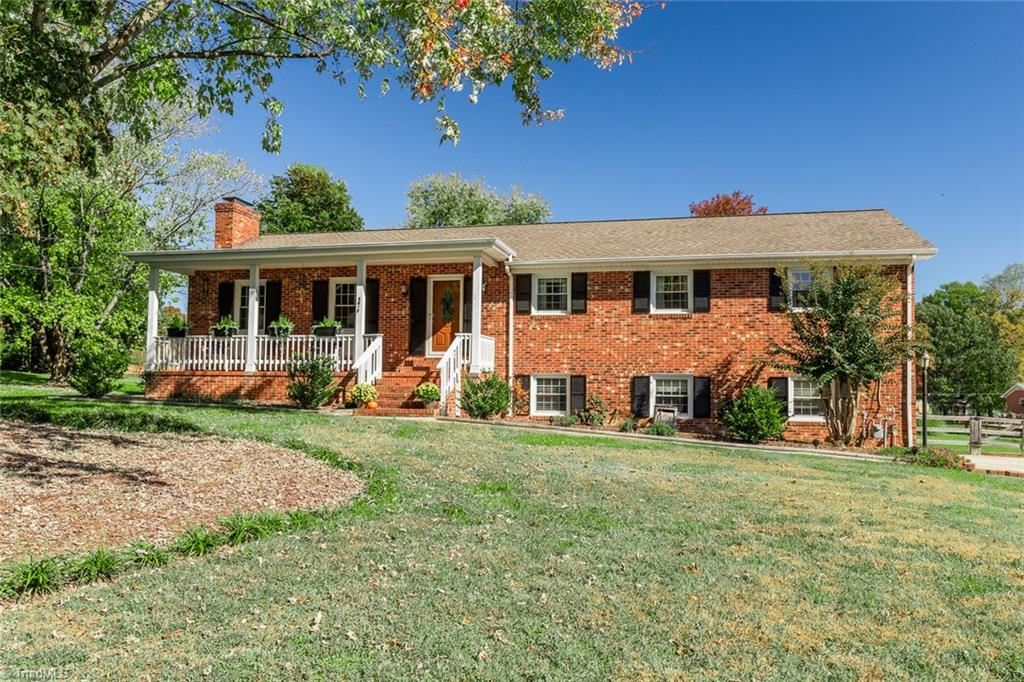 Photo of 3412 Imperial Drive, High Point, NC 27265 (MLS # 956444)