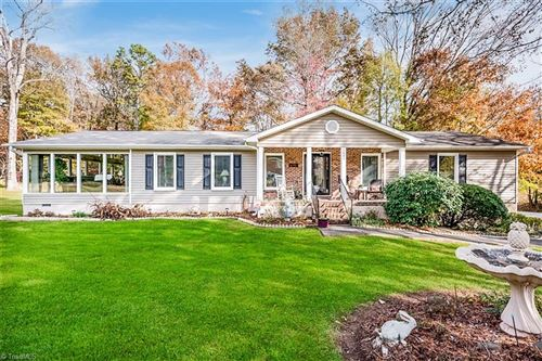 Photo of 3851 Overview Drive, Clemmons, NC 27012 (MLS # 957456)