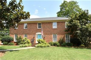 Photo of 1005 Greenhurst Road, Winston Salem, NC 27104 (MLS # 945460)