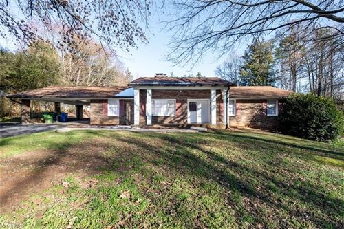 Photo of 307 Broken Saddle Lane, Kernersville, NC 27284 (MLS # 967462)