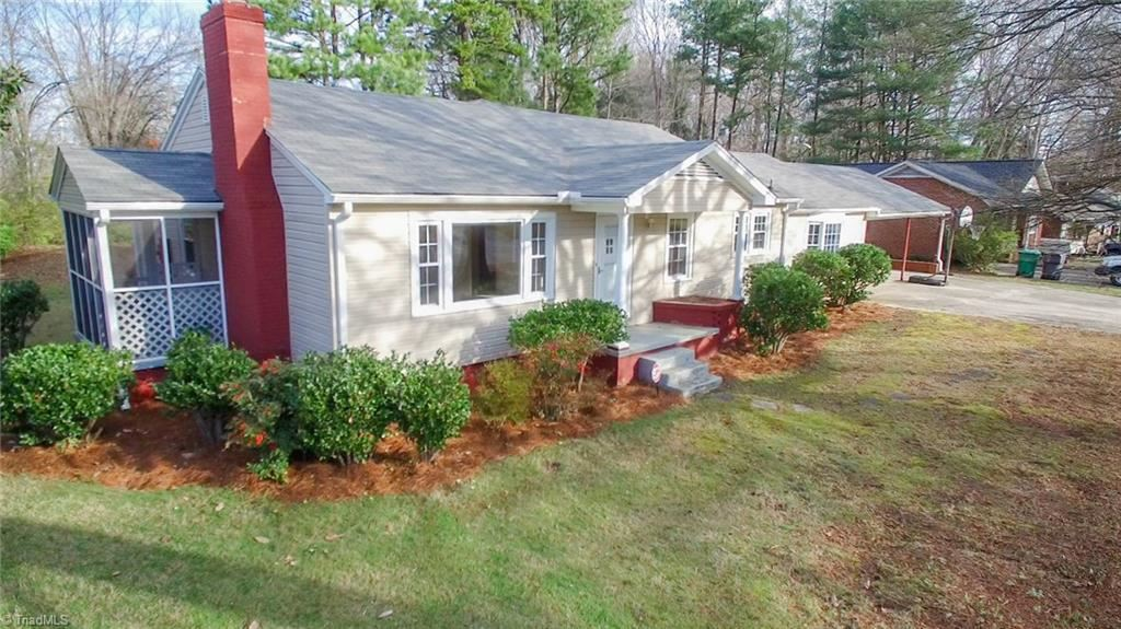 Photo of 416 Rockspring Road, High Point, NC 27262 (MLS # 962465)