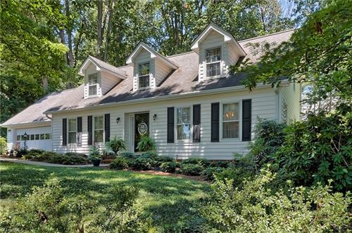Photo of 6127 Winview Heights Street, Clemmons, NC 27012 (MLS # 941469)