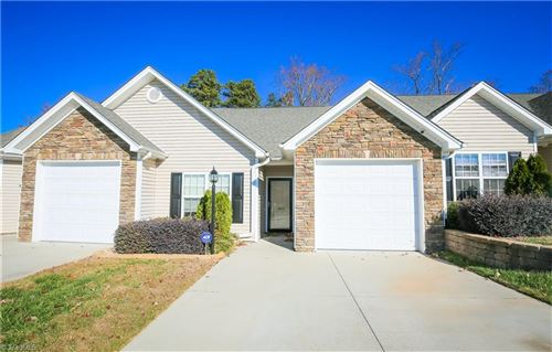 Photo of 1689 Grand Springs Drive, Winston Salem, NC 27127 (MLS # 957482)