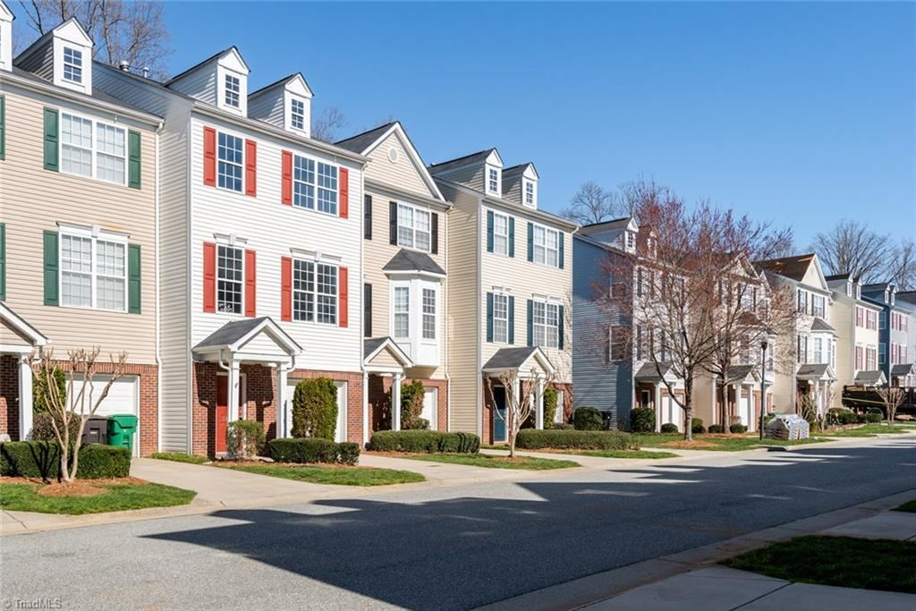 Photo of 3828 Tarrant Trace Circle, High Point, NC 27265 (MLS # 957498)