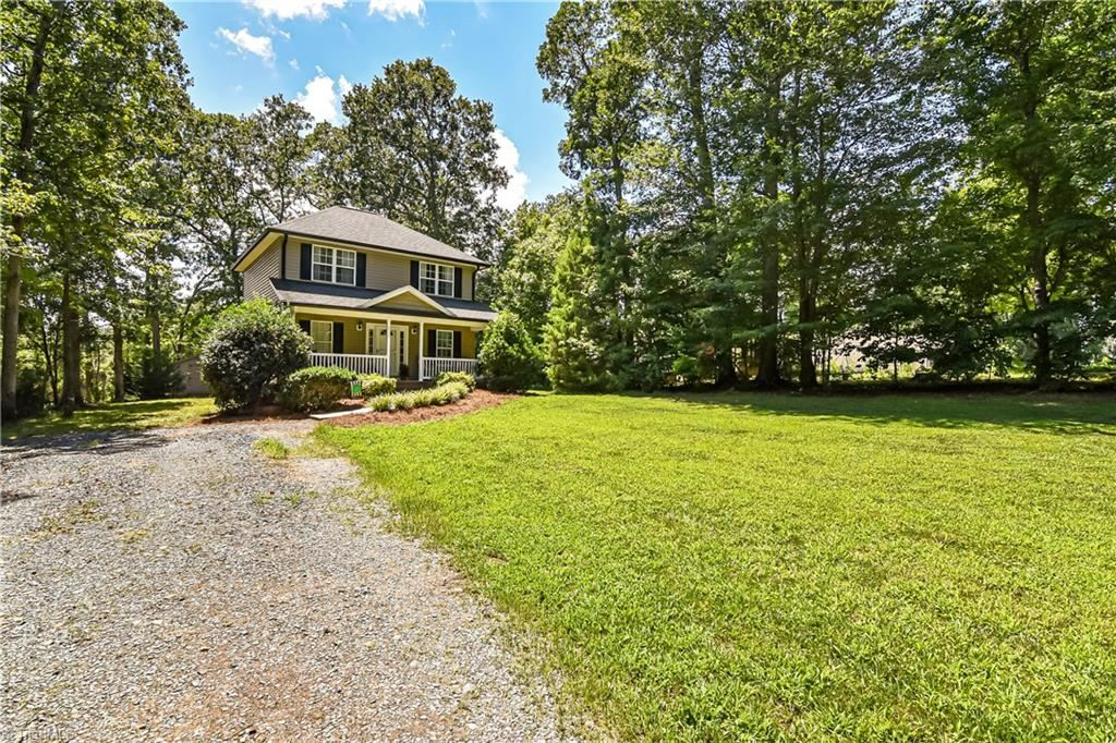 Photo of 623 Skycrest Country Road, Asheboro, NC 27205 (MLS # 987498)