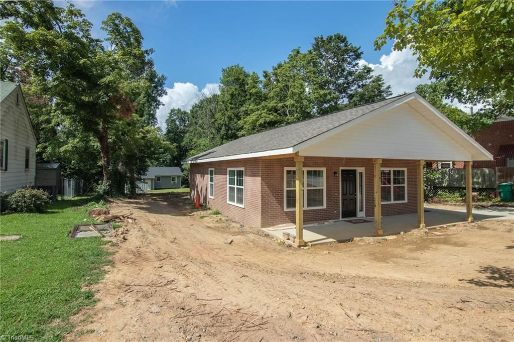 Photo of 821 Old Winston Road, High Point, NC 27265 (MLS # 988498)