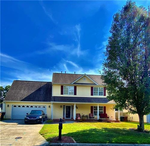 Photo of 2412 Wheatfield Drive, Greensboro, NC 27405 (MLS # 1044500)