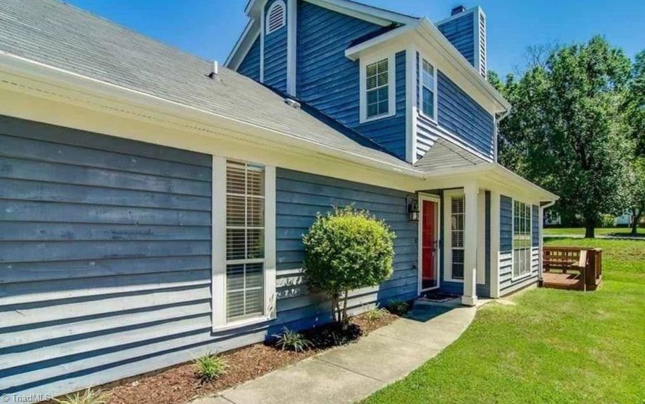Photo of 3210 Pipers Way, High Point, NC 27265 (MLS # 971500)