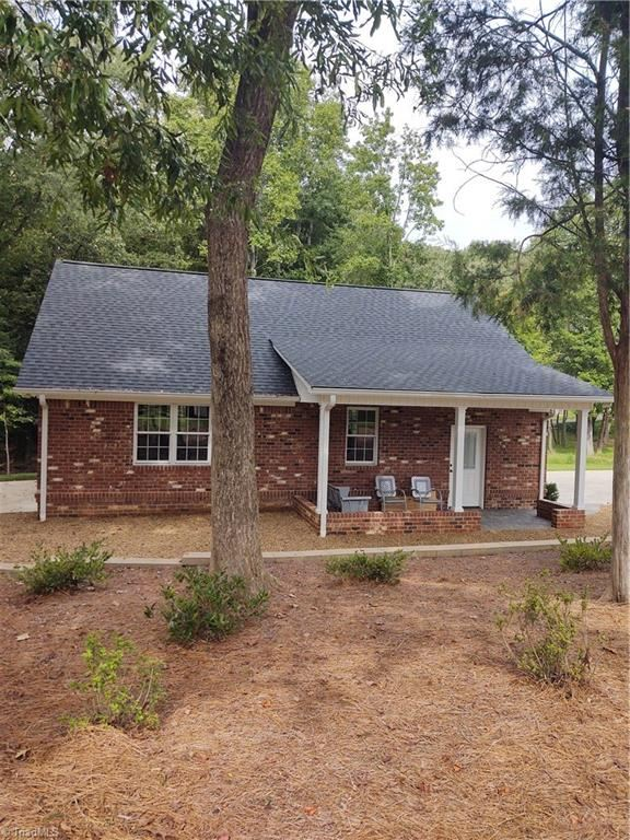 Photo of 116 Willoughby Park Drive, High Point, NC 27265 (MLS # 994511)