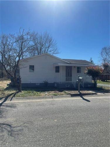 Photo of 409 Louis Street, Graham, NC 27253 (MLS # 1046513)