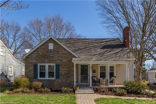 Photo of 827 Gales Avenue, Winston Salem, NC 27103 (MLS # 967513)
