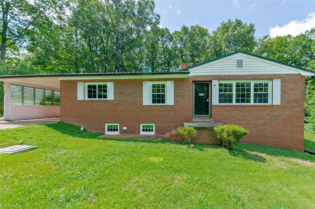Photo of 1362 Crestwood Lane, Asheboro, NC 27205 (MLS # 988515)