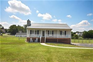 Photo of 401 Central Road, Clemmons, NC 27012 (MLS # 945516)