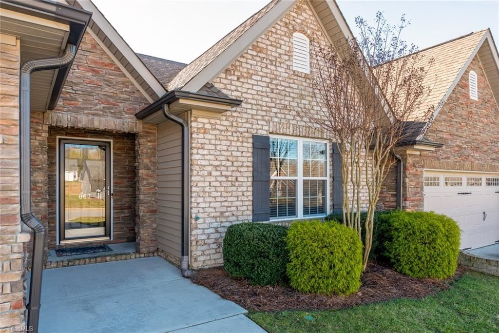 Photo of 667 Chas Court, High Point, NC 27265 (MLS # 961524)