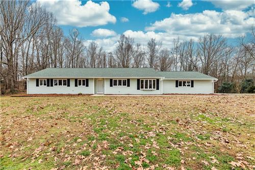 Photo of 8100 Elkmont Drive, Clemmons, NC 27012 (MLS # 1005531)