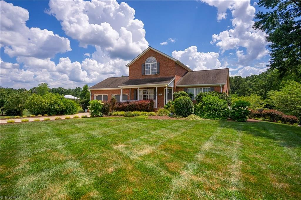 Photo of 211 M Carrick Road, Lexington, NC 27292 (MLS # 987537)