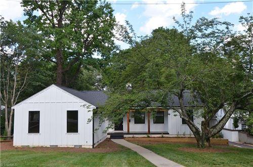 Photo of 1836 Sussex Lane, Winston Salem, NC 27104 (MLS # 984552)