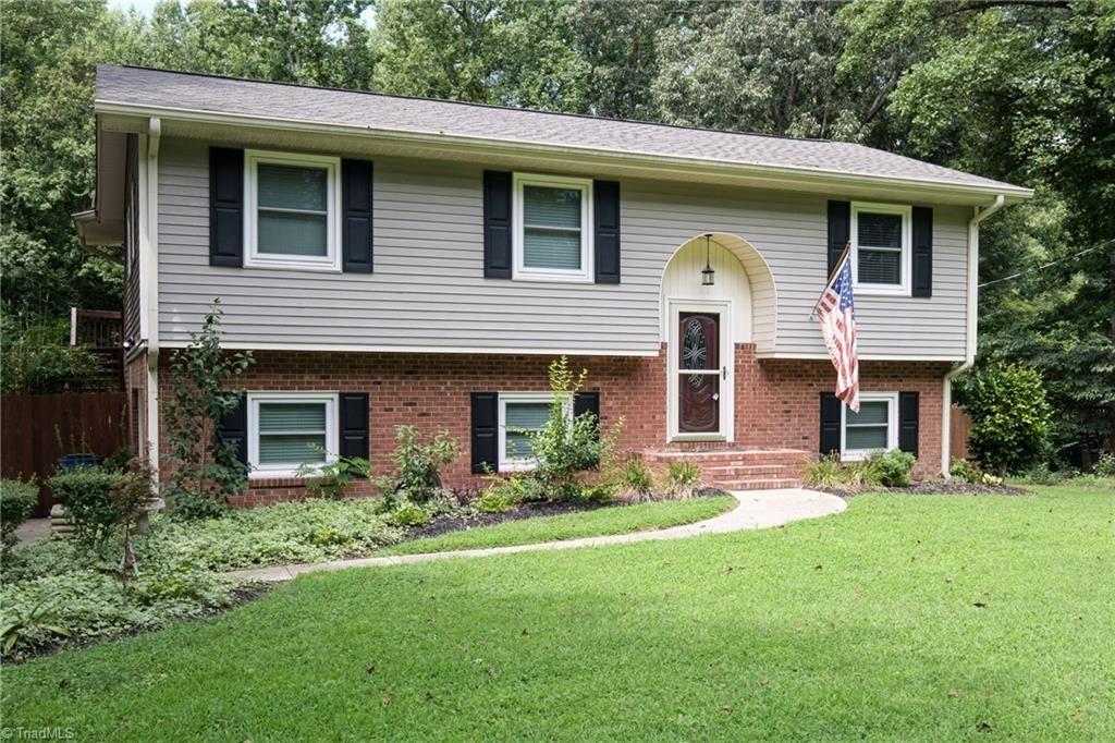 Photo of 1724 Brookhaven Mill Road, Greensboro, NC 27406 (MLS # 989553)