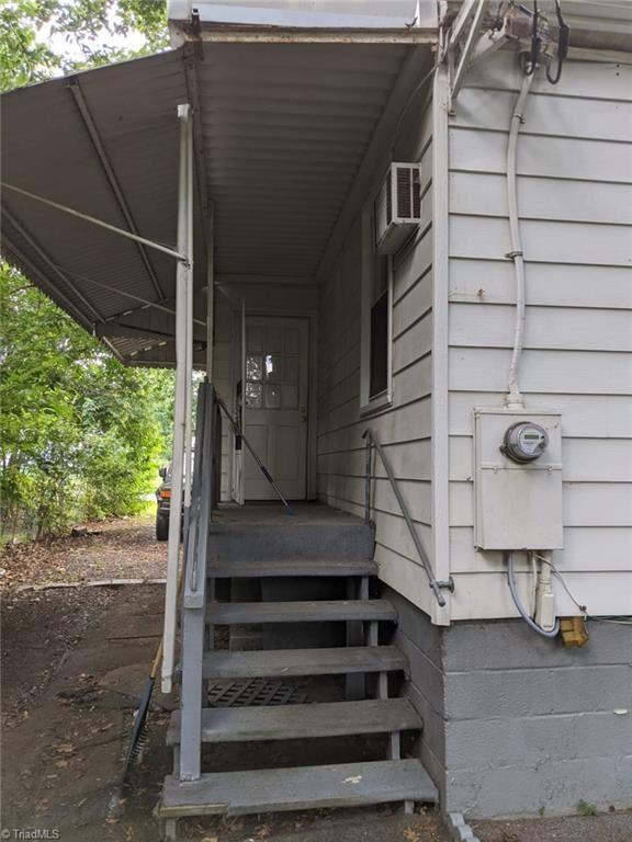 Photo of 1325 woodside Drive, Greensboro, NC 27405 (MLS # 987557)