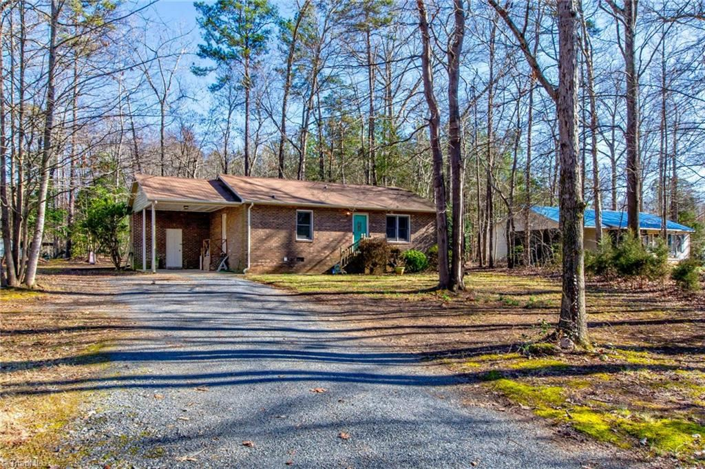 Photo of 1653 Gopher Woods Road, Asheboro, NC 27205 (MLS # 961567)