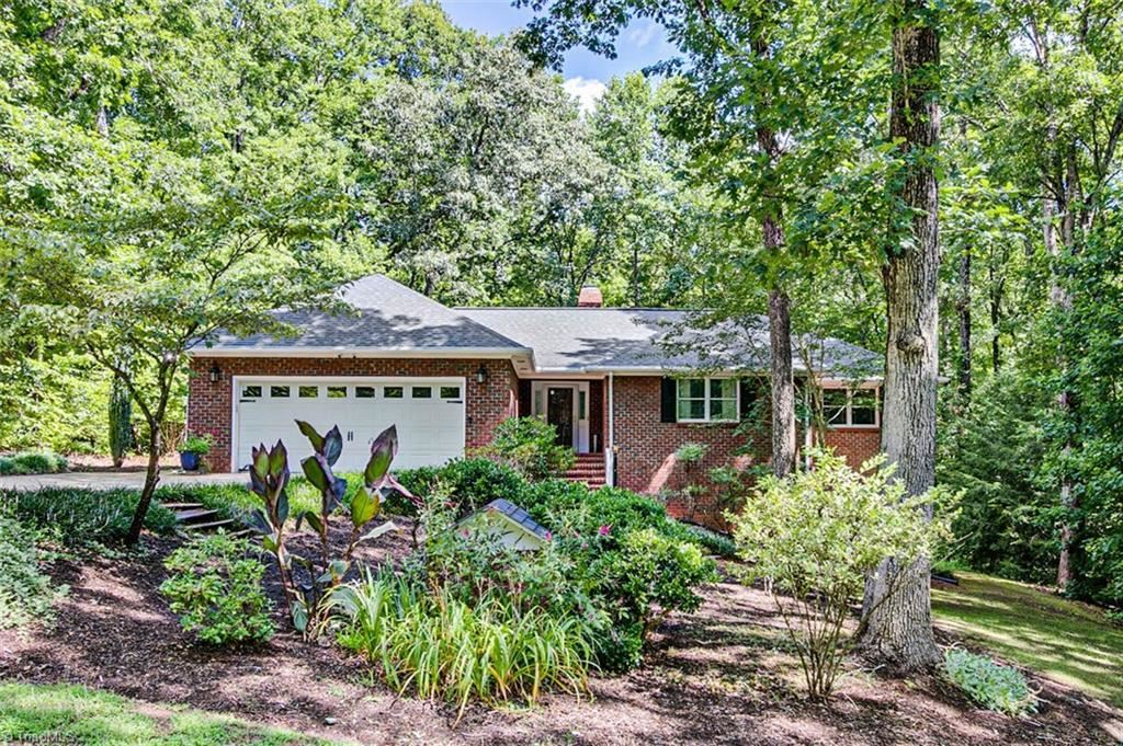 Photo of 2649 Hickory Drive, Asheboro, NC 27205 (MLS # 987574)