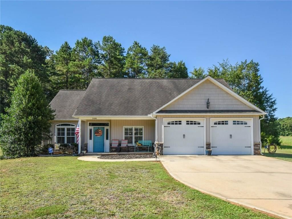 Photo of 2100 Waterford Pointe Road, Lexington, NC 27292 (MLS # 987579)