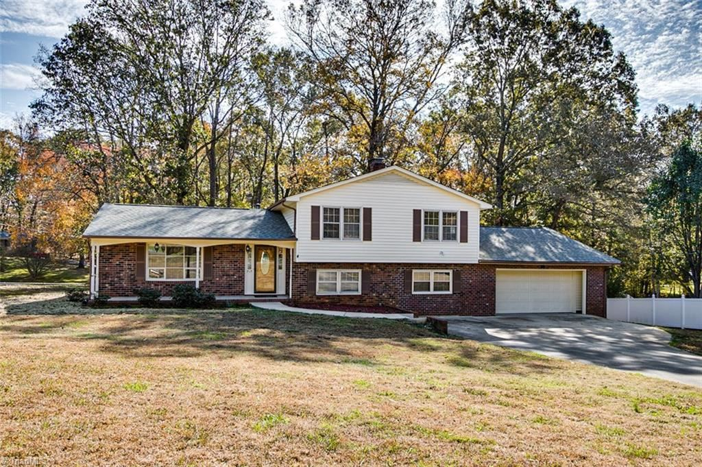 Photo of 717 Cable Creek Road, Asheboro, NC 27205 (MLS # 958588)