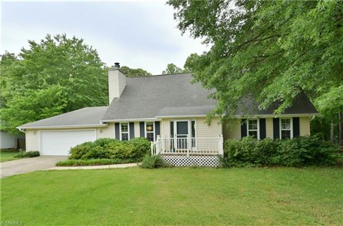 Photo of 6739 Castleton Drive, Clemmons, NC 27012 (MLS # 977589)