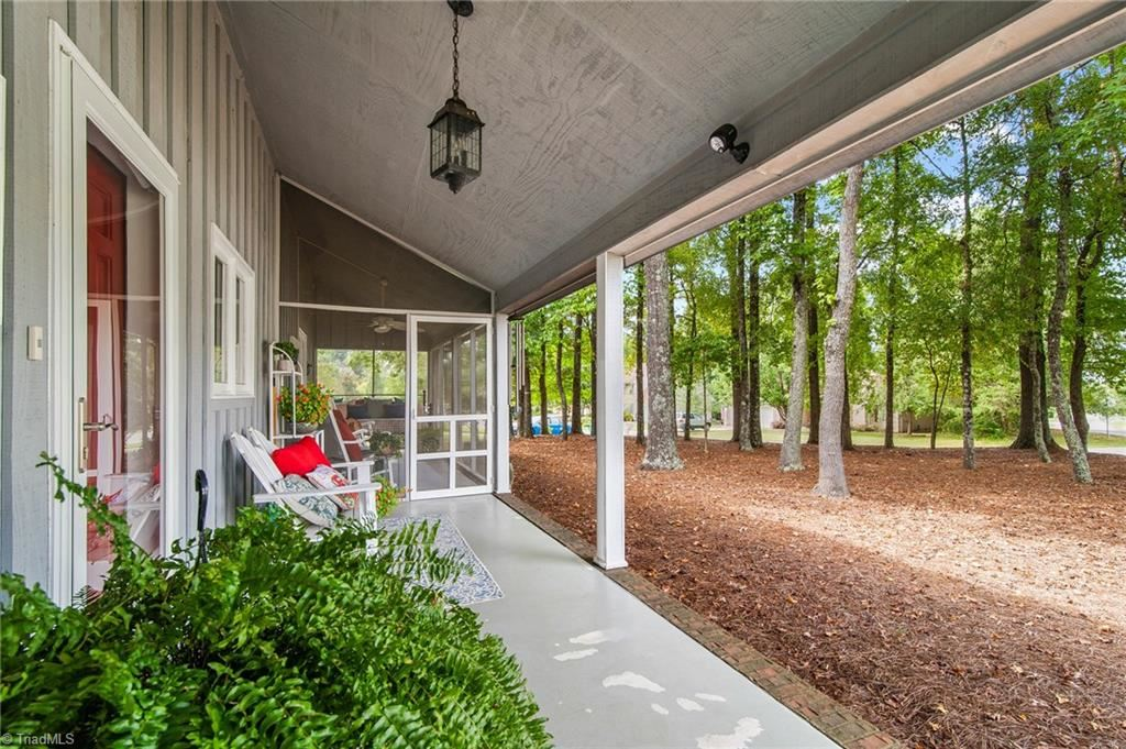 Photo of 1714 Hunterwoods Drive, High Point, NC 27265 (MLS # 994596)