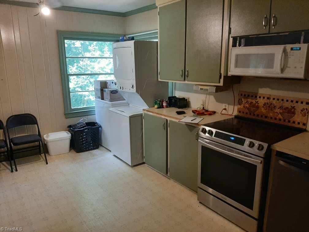Photo of 325 Raeford Avenue, Lexington, NC 27292 (MLS # 989608)
