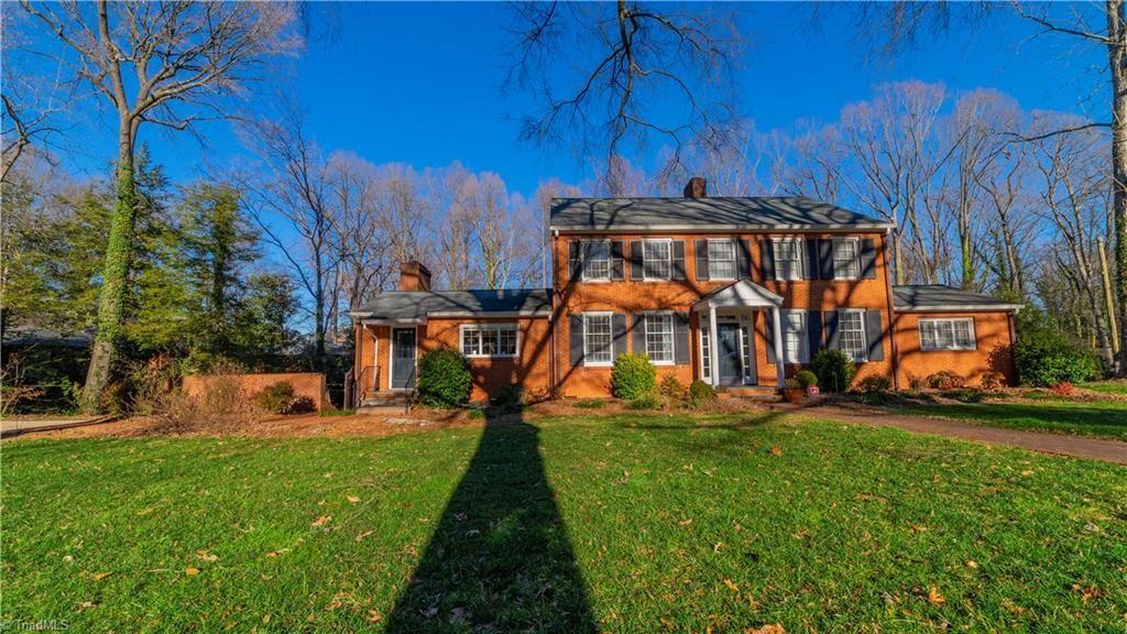 Photo of 901 Woodlawn Drive, Lexington, NC 27292 (MLS # 961610)