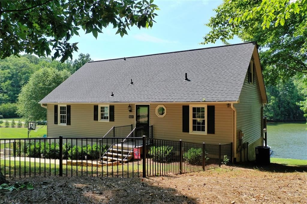 Photo of 1826 Beckner Road, Lexington, NC 27292 (MLS # 987638)