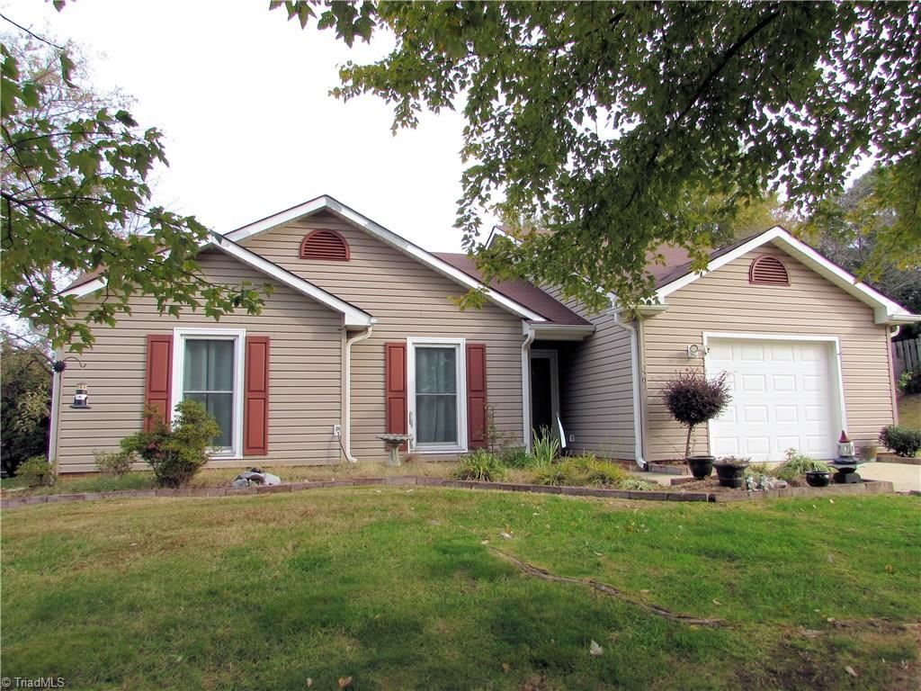 Photo of 3203 Sparrowhawk Drive, High Point, NC 27265 (MLS # 956643)