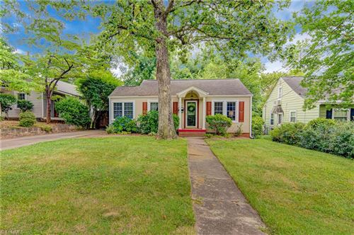 Photo of 2416 Walker Avenue, Winston Salem, NC 27103 (MLS # 985667)
