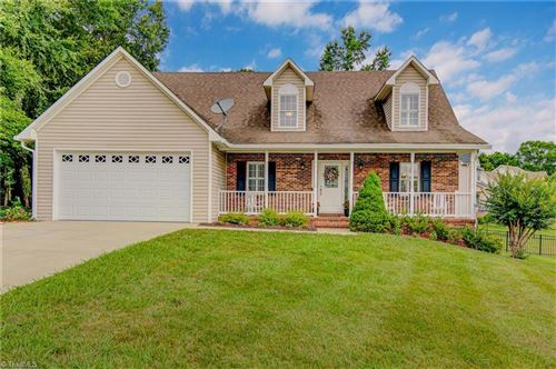 Photo of 6655 Valleyoak Drive, Clemmons, NC 27012 (MLS # 984676)