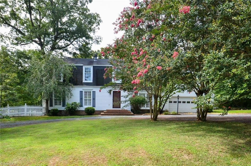 Photo of 817 Monroe Avenue, Asheboro, NC 27205 (MLS # 987677)