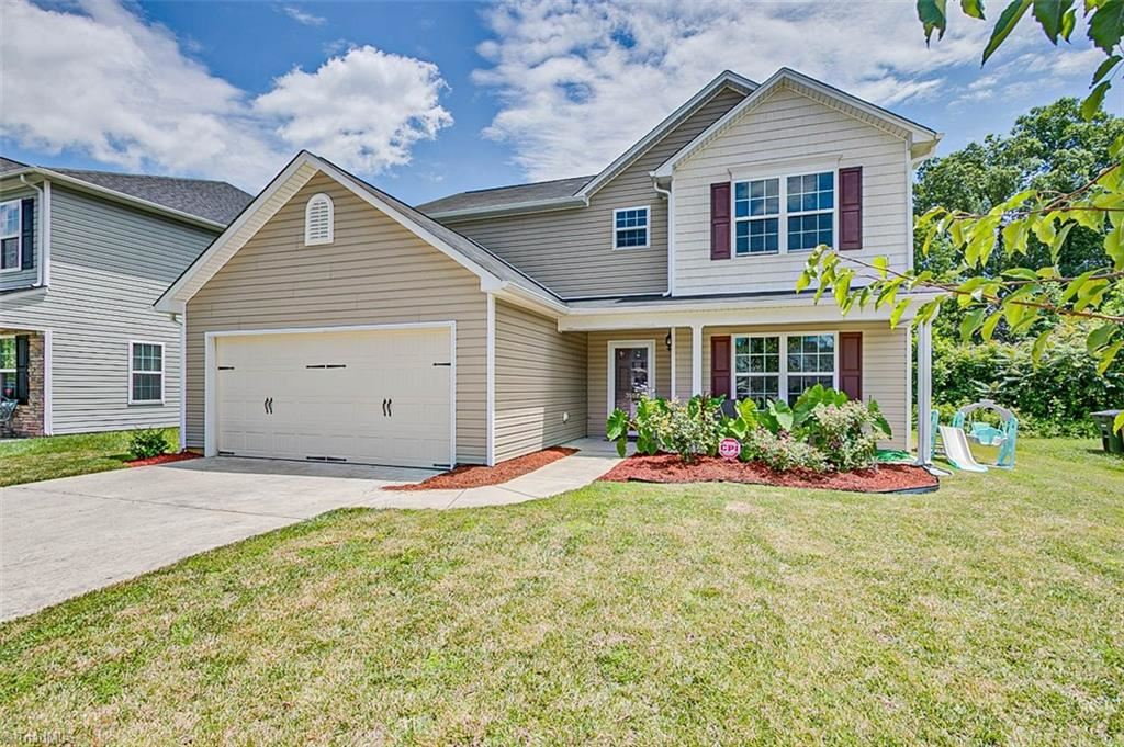 Photo of 3508 Whitworth Drive, Greensboro, NC 27405 (MLS # 983679)