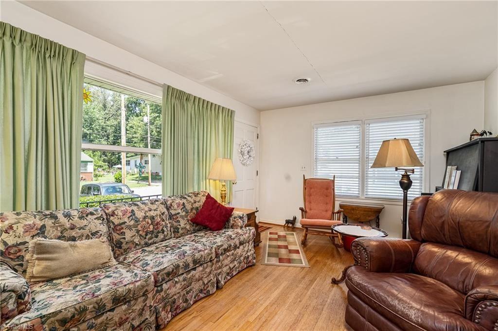 Photo of 2406 Woodruff Avenue, High Point, NC 27265 (MLS # 987708)