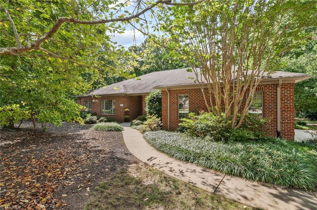 Photo of 3821 Wesseck Drive, High Point, NC 27262 (MLS # 994727)