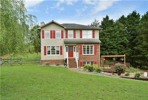 Photo of 149 Twin Valley Drive, Clemmons, NC 27012 (MLS # 981730)