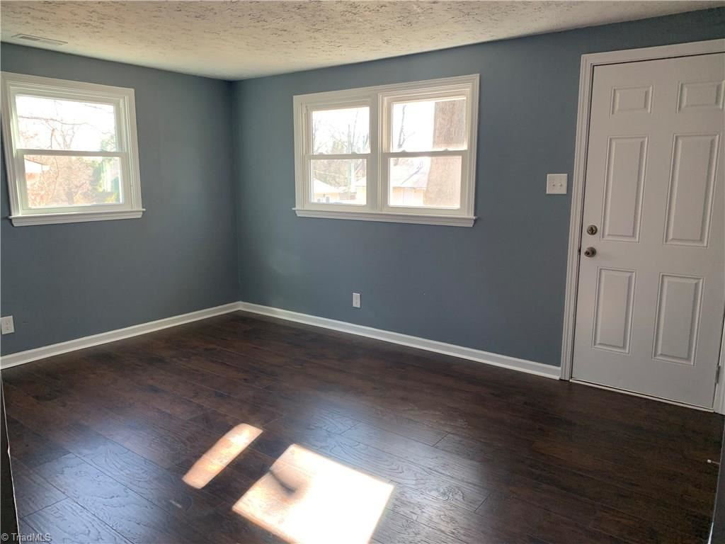 Photo of 1509 E Commerce Avenue, High Point, NC 27260 (MLS # 962732)