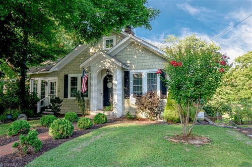 Photo of 833 Lockland Avenue, Winston Salem, NC 27103 (MLS # 984737)