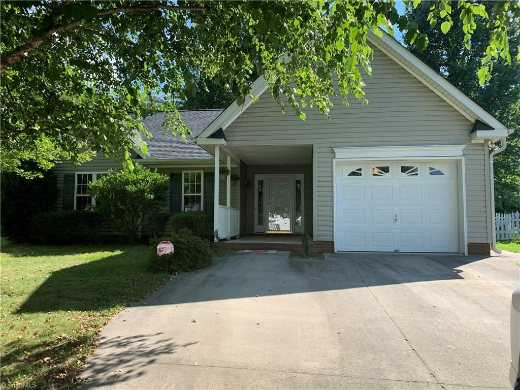 Photo of 3922 Hickswood Forest Court, High Point, NC 27262 (MLS # 987741)