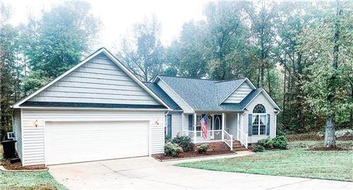 Photo of 167 Columbus Lane, Thomasville, NC 27360 (MLS # 000759)