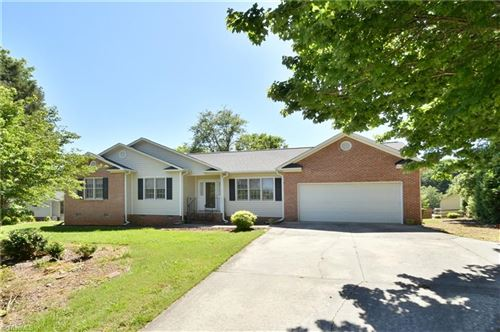 Photo of 1724 Harper Spring Drive, Clemmons, NC 27012 (MLS # 979760)