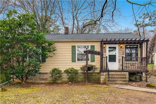 Photo of 1008 Lockland Avenue, Winston Salem, NC 27103 (MLS # 965761)